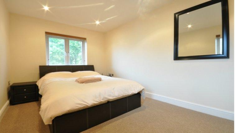 Cosy bedroom in Sheppards Yard