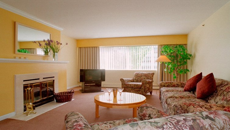 Charming living area in Rosellen Suites at Stanley Park