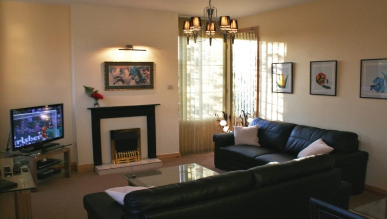 Cosy living area in Holly House Apartments