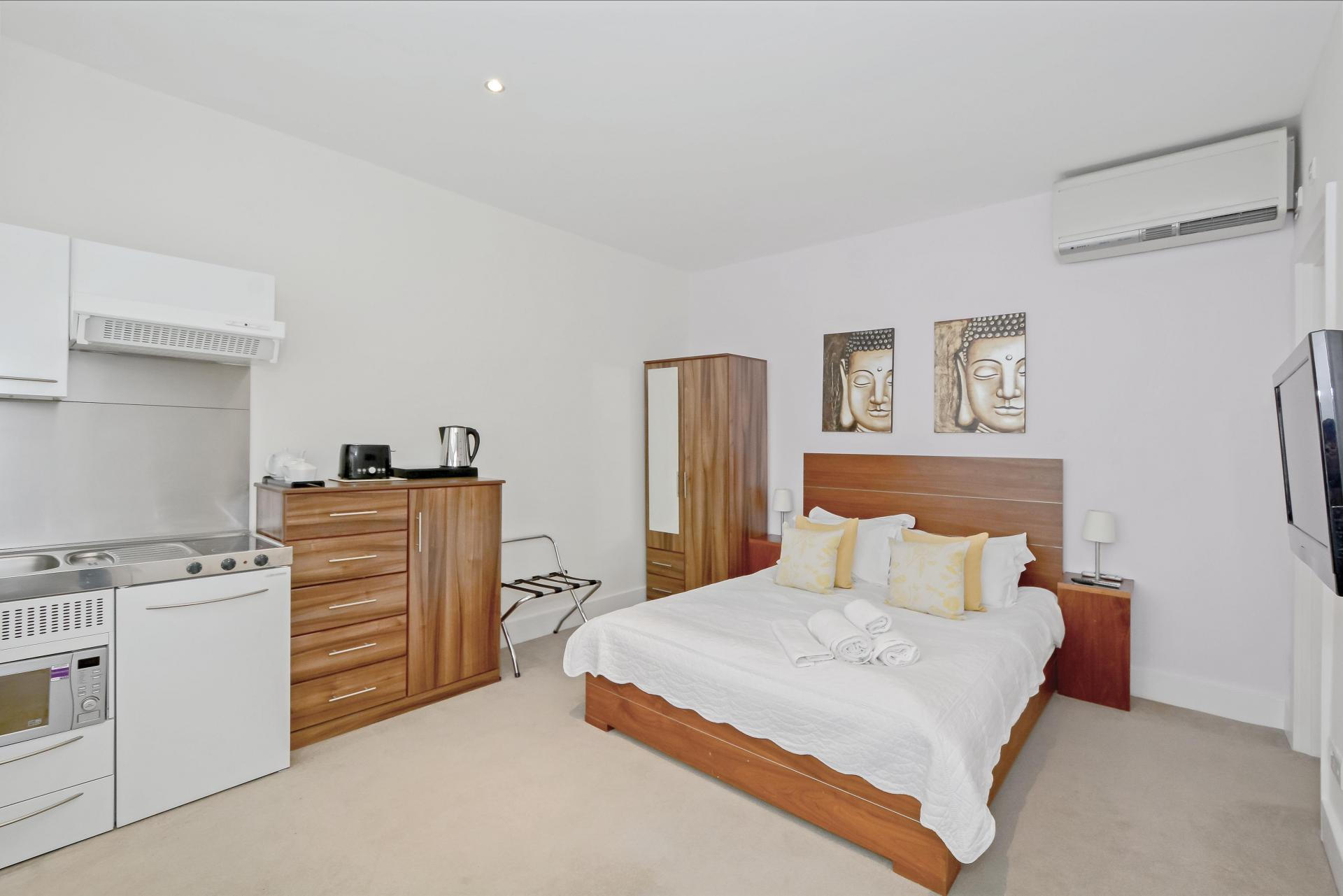 Bed at LBS Apartments, Victoria, London