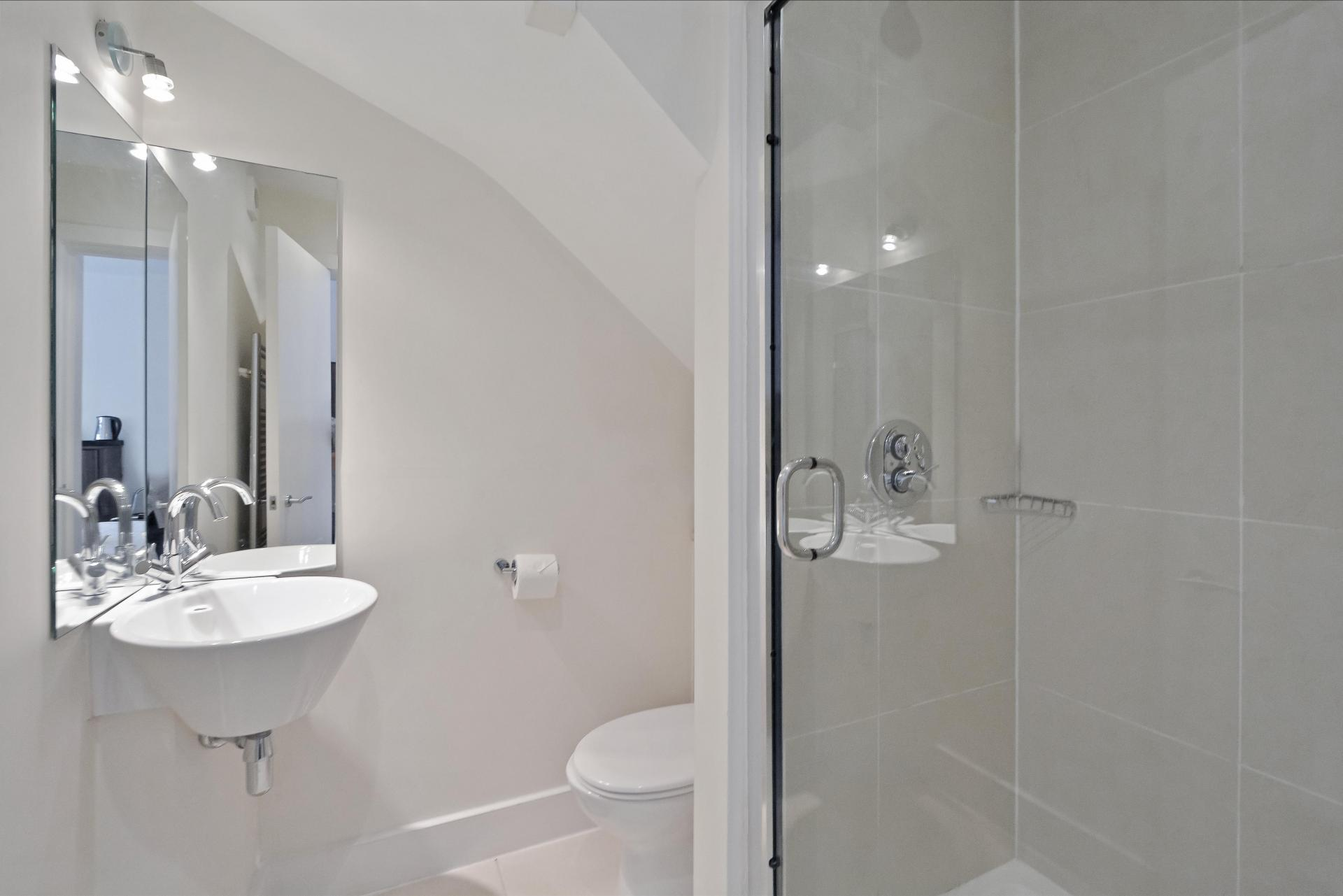 Mirror at LBS Apartments, Victoria, London