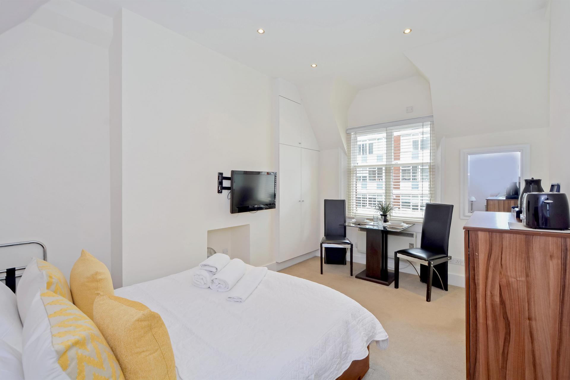 Yellow at LBS Apartments, Victoria, London