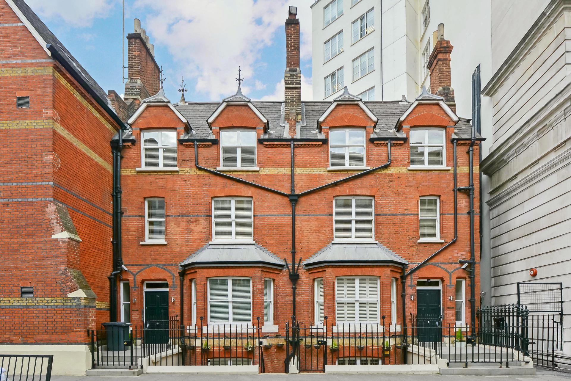 Exterior at LBS Apartments, Victoria, London