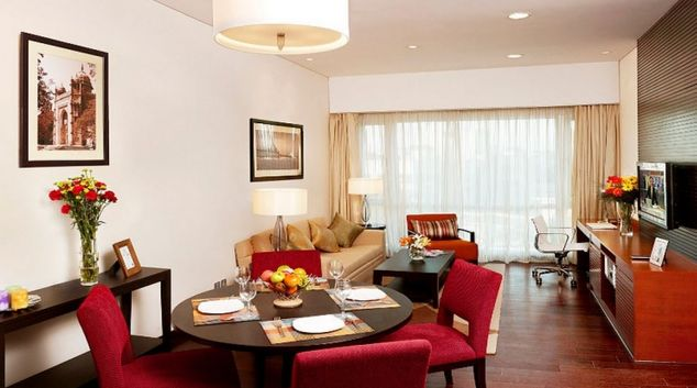 Classy living area in Somerset Greenways Apartments