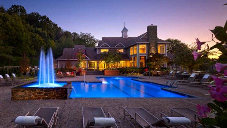 Stunning pool at AVE Malvern Apartments
