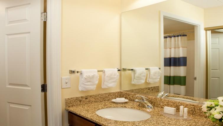 Ideal bathroom in Residence Inn Boston Woburn