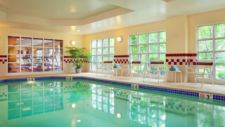 Gorgeous pool in Residence Inn Boston Woburn