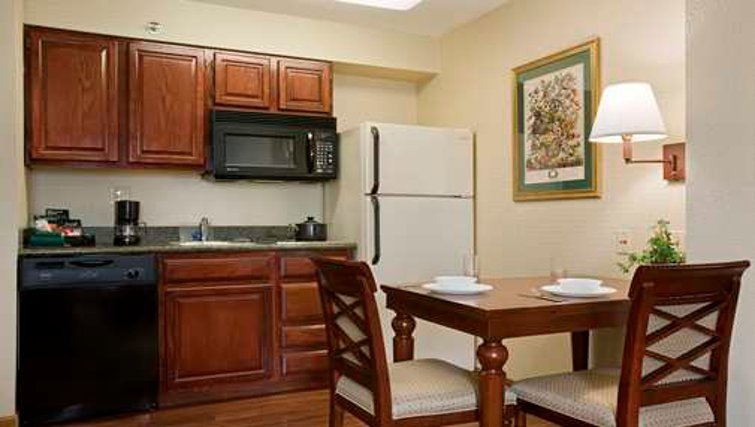 Delightful kitchen in Homewood Suites Philadelphia Great Valley