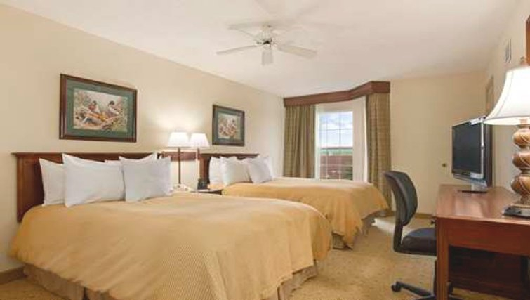 Ideal bedroom in Homewood Suites Philadelphia Great Valley