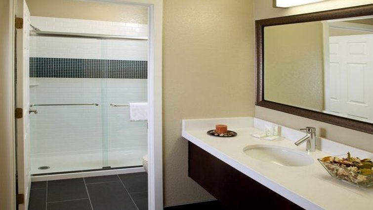 Desirable bathroom in Staybridge Suites San Francisco Airport (San Bruno)