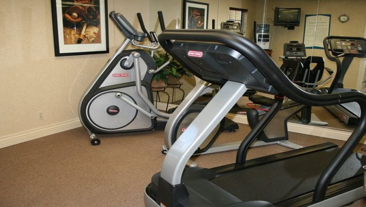 Equipped gym in Staybridge Suites San Francisco Airport (San Bruno)