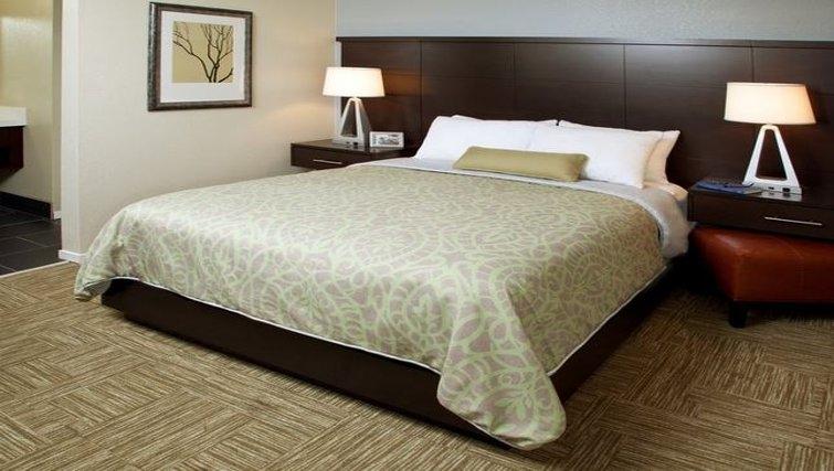 Serene bedroom in Staybridge Suites Sunnyvale