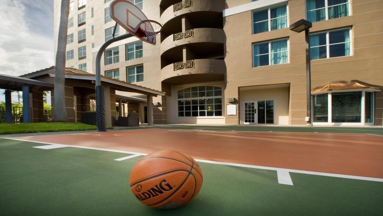 Fantastic sports court in Staybridge Suites Miami/Doral Area