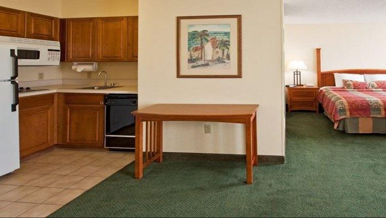 Ideal living area in Staybridge Suites Miami/Doral Area