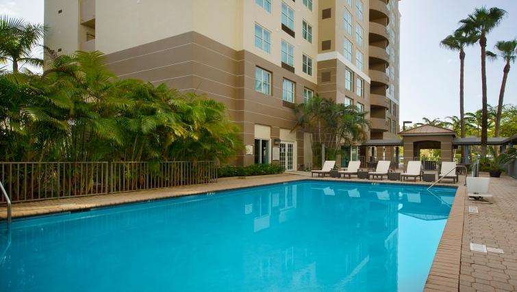 Gorgeous pool in Staybridge Suites Miami/Doral Area