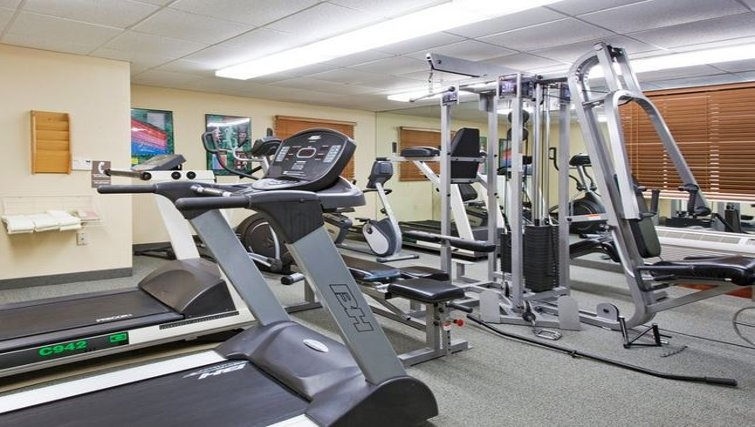 Equipped gym in Candlewood Suites Miami Airport West
