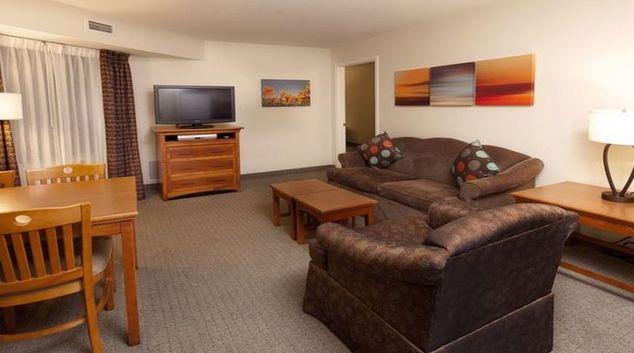 Ideal living area in Staybridge Suites Dallas-Las Colinas