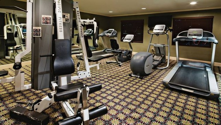 Equipped gym in Staybridge Suites Dallas-Las Colinas