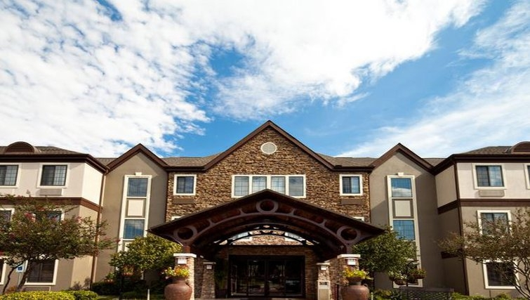 Welcoming exterior of Staybridge Suites Dallas-Las Colinas