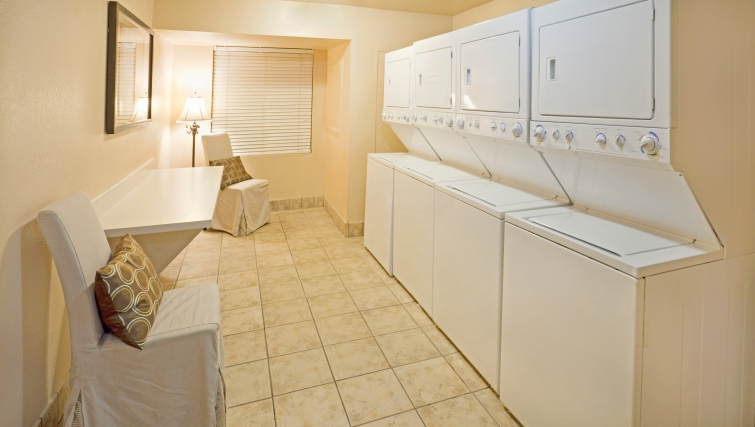 Functional laundry area in Staybridge Suites Dallas-Las Colinas