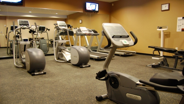 State-of-the-art gym in Staybridge Suites DFW Airport North