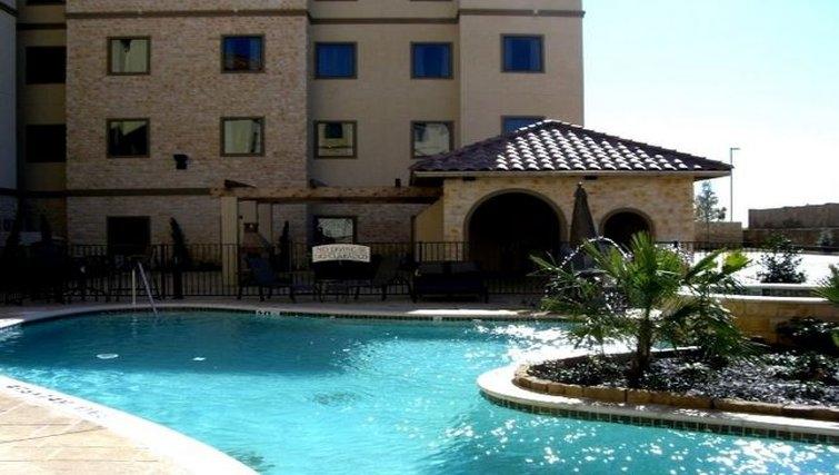 Gorgeous pool in Staybridge Suites DFW Airport North