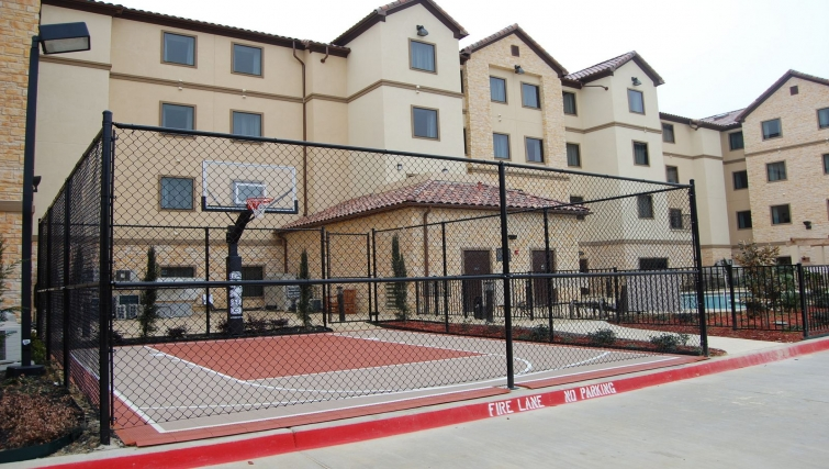 Practical sports court in Staybridge Suites DFW Airport North