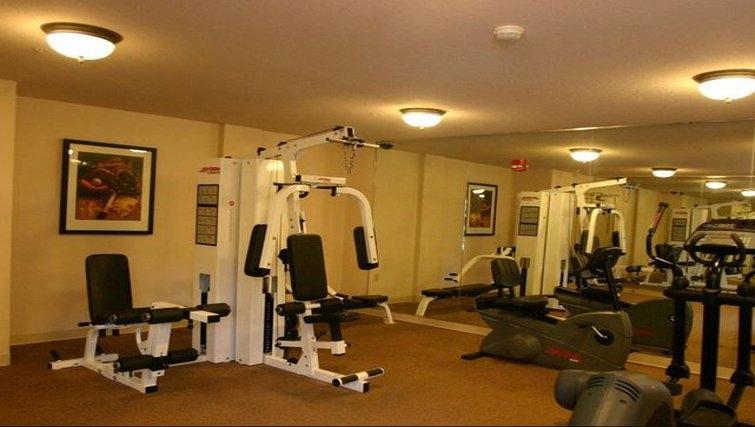 Equipped gym in Staybridge McLean-Tyson's Corner