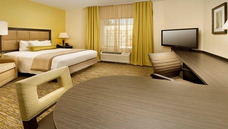 Desirable bedroom in Candlewood Suites Alexandria-Fort Belvoir