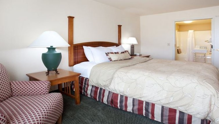 Delightful bedroom in Staybridge Suites Denver-Cherry Creek