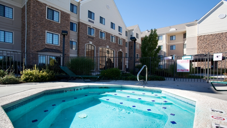 Luxurious hot tub in Staybridge Suites Denver-Cherry Creek