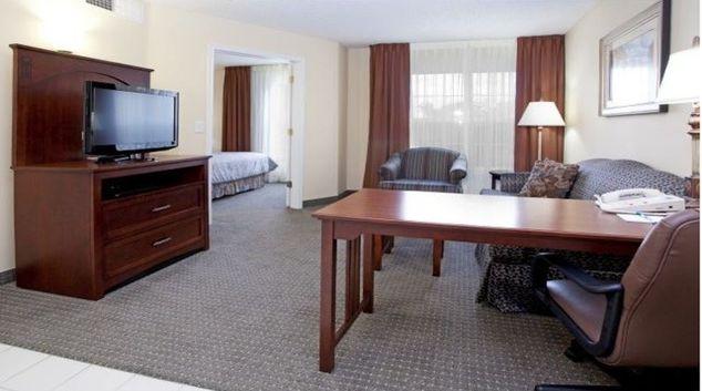 Multifunctional living area in Staybridge Suites Denver CO Tech