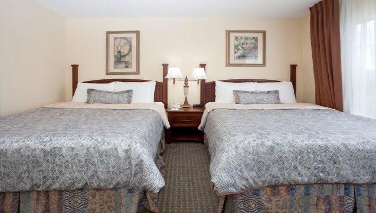 Relaxing bedroom in Staybridge Suites Denver CO Tech