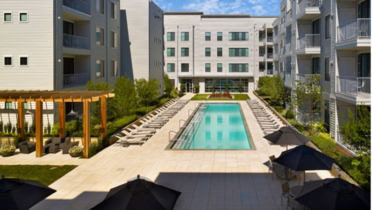 Luxurious pool in AVE Union Apartments