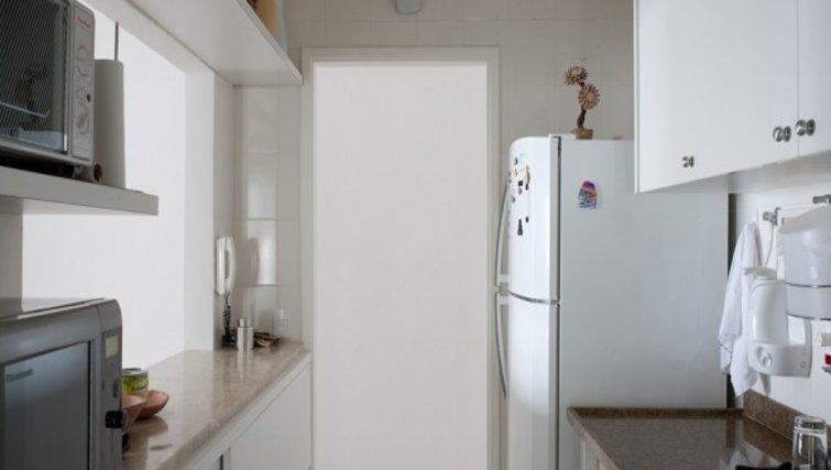 Bright kitchen in Fiandeiras Apartment