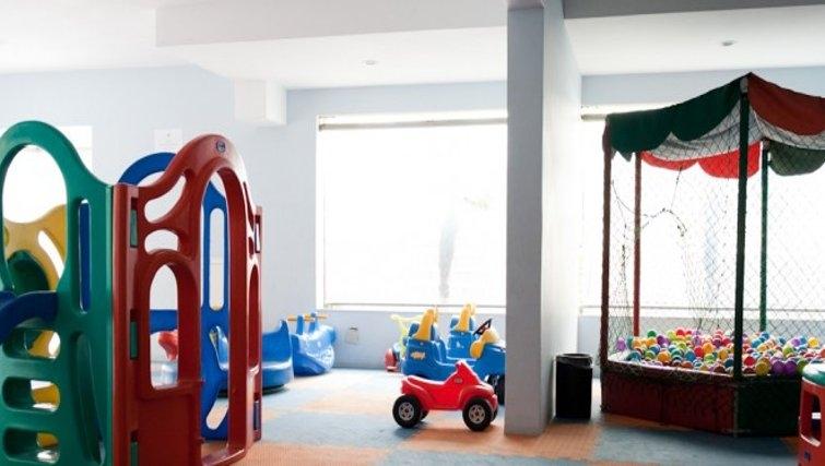 Fantastic nursery in Fiandeiras Apartment