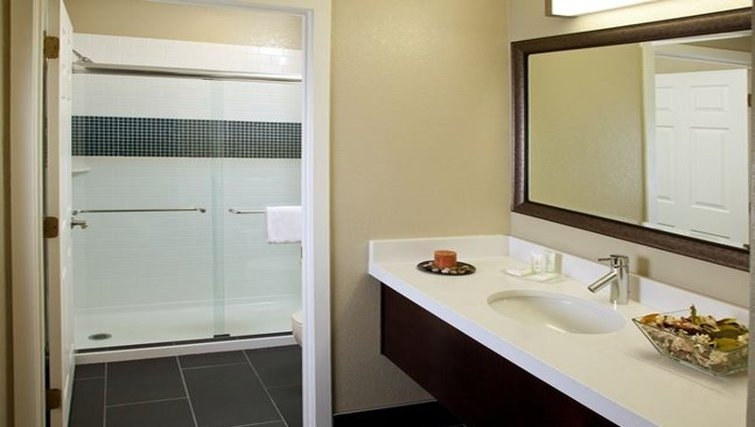 Ideal bathroom in Staybridge Lake Buena Vista