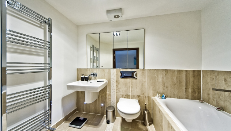 Stylish bathroom in Kings Island Apartments