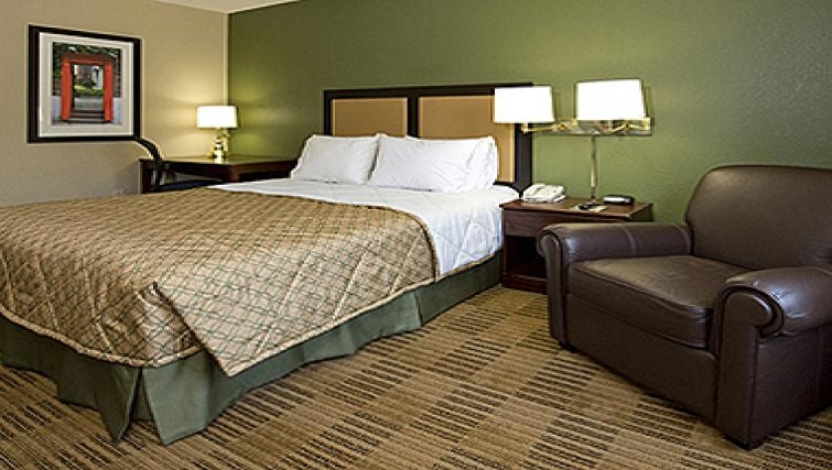 Ideal bedroom in Extended Stay America Woburn