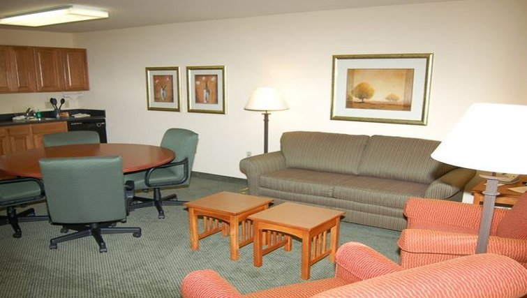 Multifunctional living area in Staybridge Suites Houston Willowbrook