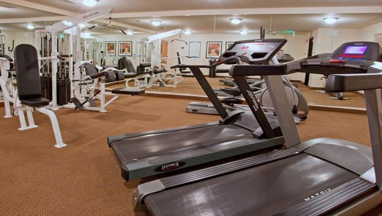 State-of-the-art gym in Staybridge Suites Houston Willowbrook