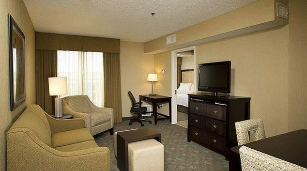 Multifunctional living area in Homewood Suites Alexandria/Pentagon South