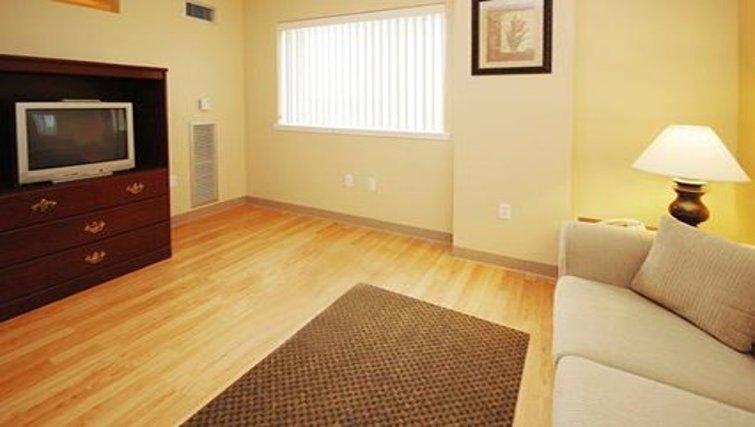 Spacious living area in Logan Airport Apartments