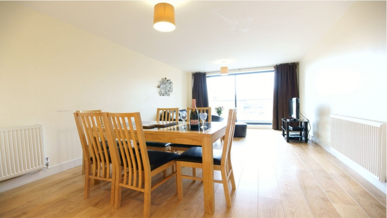 Spacious dining area in Lodge Drive Apartments
