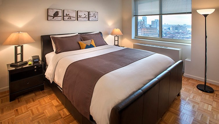 Cosy bedroom in Archstone Midtown West Apartments