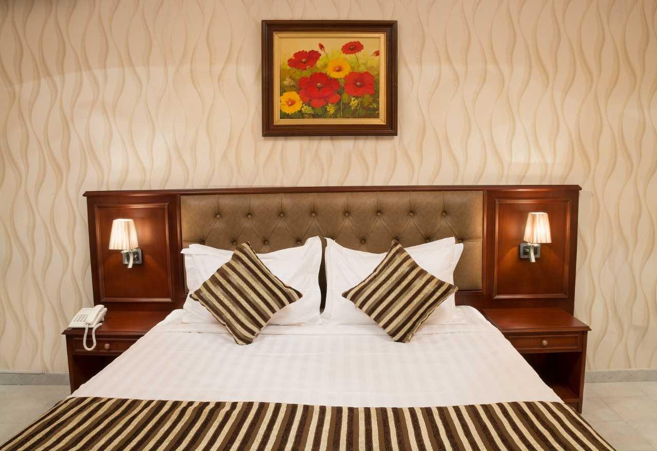 Cosy bedroom at Safari Apartments