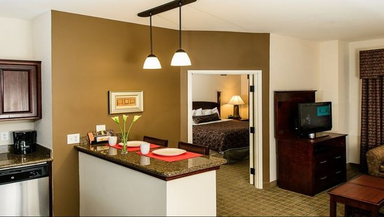 Practical living area in Staybridge Suites Houston-Nasa/Clear Lake