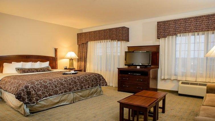 Relaxing bedroom in Staybridge Suites Houston-Nasa/Clear Lake
