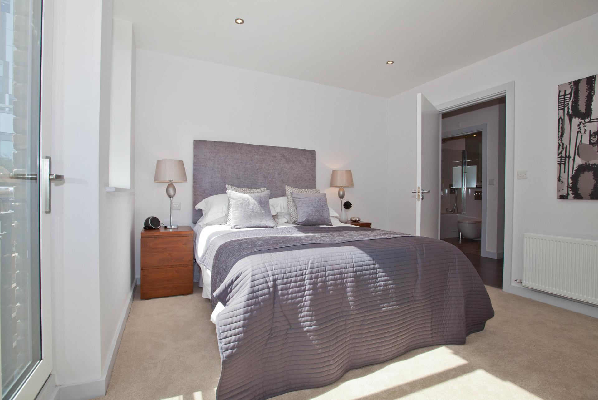 Sleep at One Whites Row Apartments, Liverpool Street, London