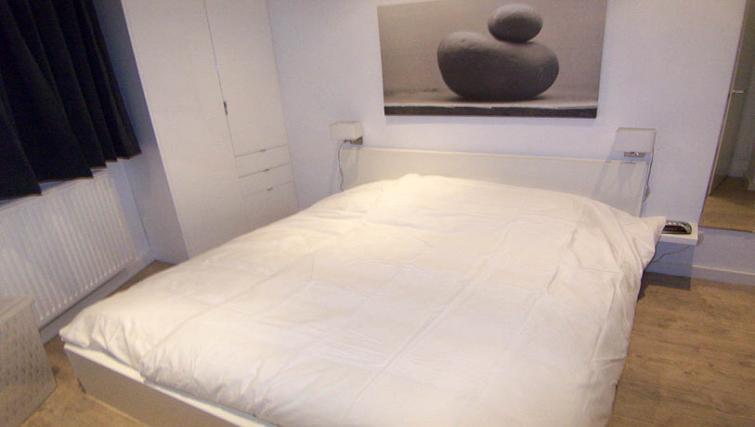 Peaceful bedroom in Bleekweg Apartments